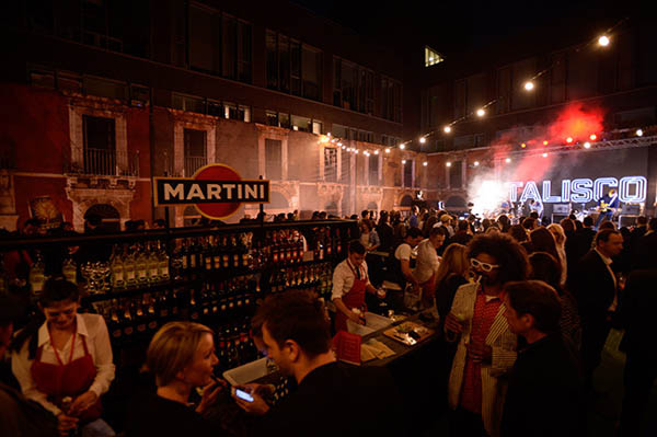 Martini-Terrazza-darkside-events-A.Ghnassia-VisionbyAG